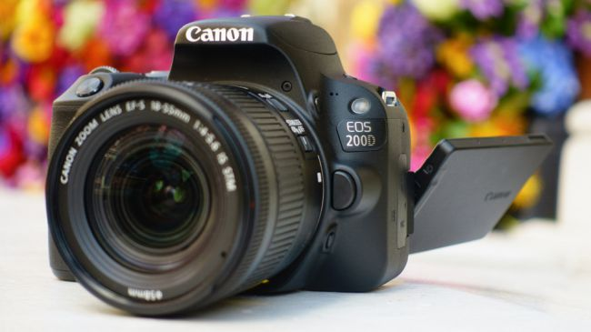 Best vlogging camera inexpensive and cheap -Canon EOS Rebel SL2 / EOS 200D